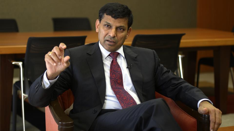 आरबीआई के पूर्व गवर्नर रघुराम राजन ने कहा भारतीय अर्थव्यवस्था मंदी की चपेट में : इसके लिए PMO जिम्मेदार