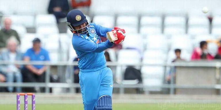 श्रेयस अय्यर ने न्यूजीलैंड में छक्के मार के दिलाई भारत को जीत