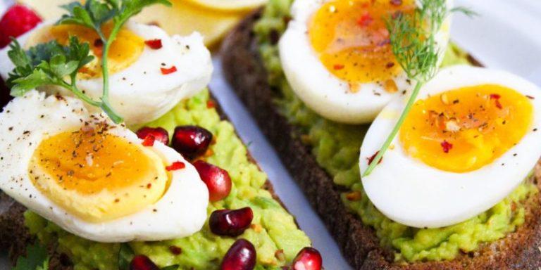 अंडा खाना सेहत के लिए है फायदेमंद, कई बीमारियाँ रहती हैं दूर