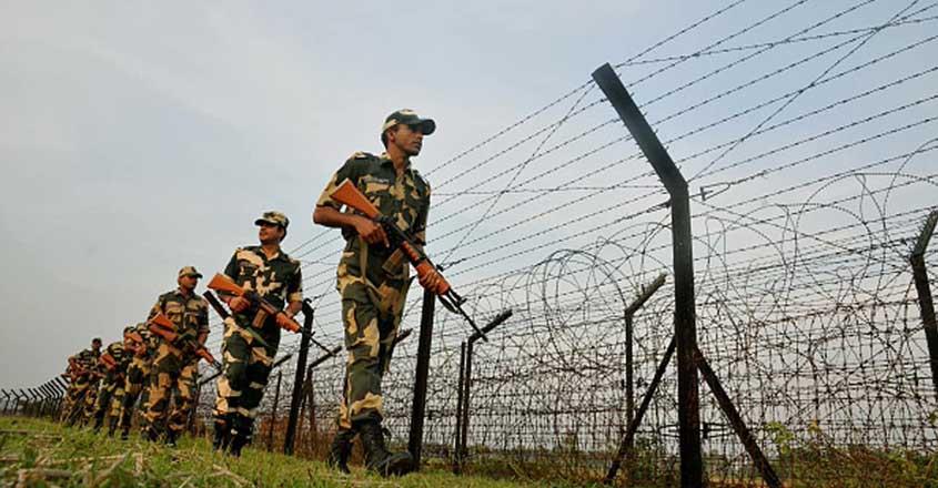 भारत-पाक सीमा पर जवानों की मुस्तैदी से गुलाम कश्मीर के राष्ट्रपति मसूद खान को है डर