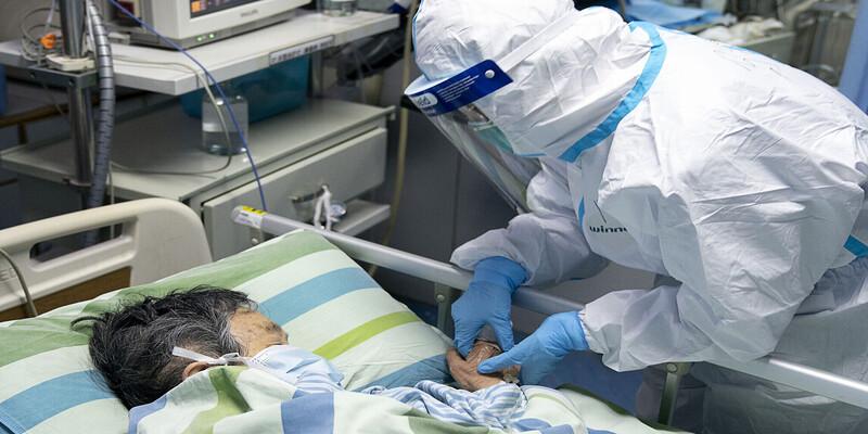 चीन में अब स्वास्थ्य कर्मियों भी कोरोना वायरस से हो रहे पीड़ित