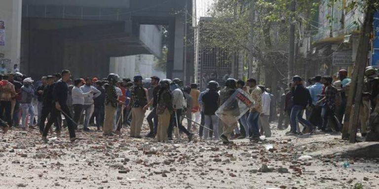 दिल्ली में 2 से हिंसा, अमेरिकी राष्ट्रपति डोनाल्ड ट्रंप ने सीएए पर कहा..