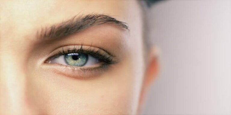आँखों की रोशनी बढ़ाने के लिए इन चीजों का करे सेवन