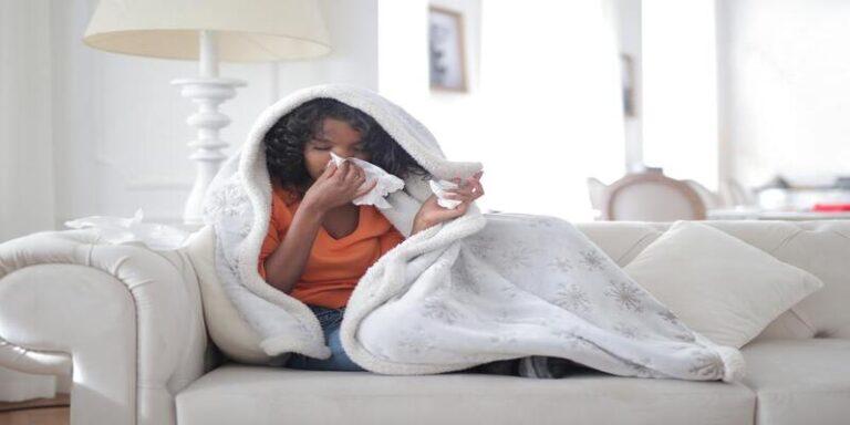 इस तरह करें सर्दी खांसी और बुखार का इलाज