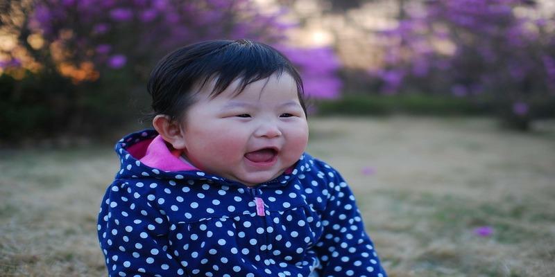हँस कर और दूसरों को हंसा कर रह सकते है सेहतमंद