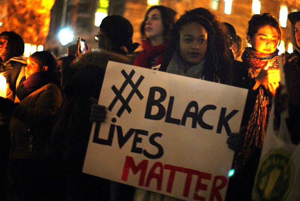 अमेरिका में इस समय जबरदस्त नस्ली हिंसा और तोड़फोड़ हो रहा है।
