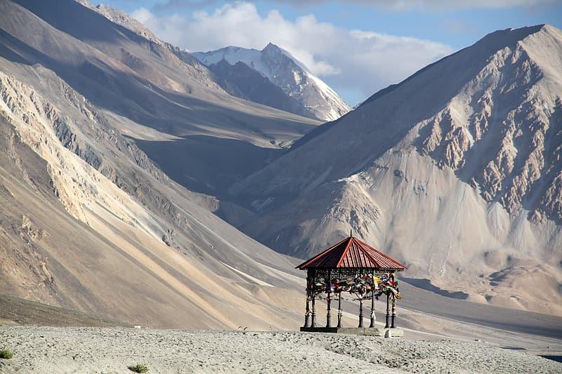 भारत और चीन के बिच कुछ समय से पूर्वी लद्दाख में सीमा को लेकर विवाद चल रहा है