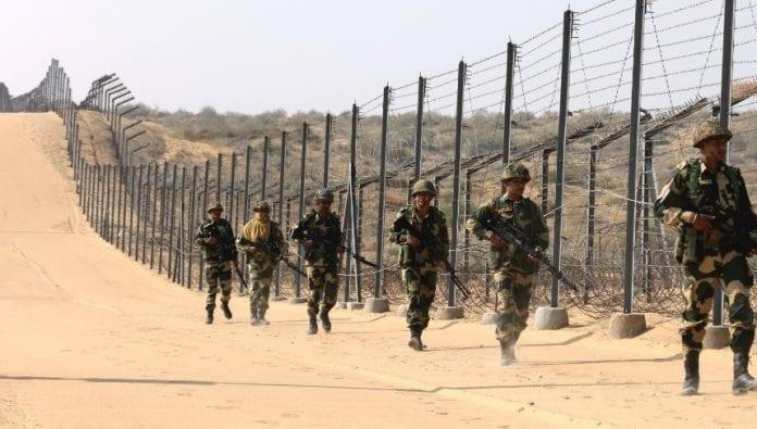 भारत और पाकिस्तान के बीच सीमा रेखा को एलओसी के नाम से जानते हैं।