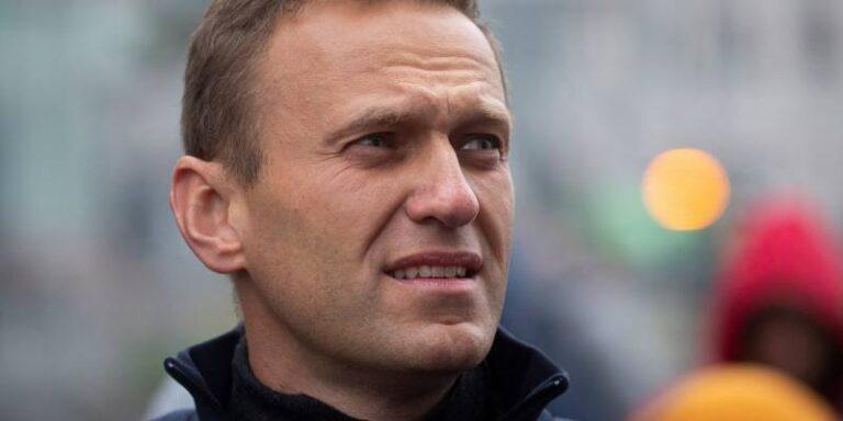 रूस के विपक्षी नेता अलेक्सी नवलनी को जान से मारने की कोशिश