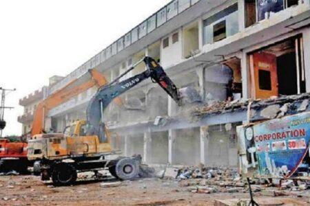 बिल्डिंग सरकारअतिक्रमण के बजाय जप्त करे