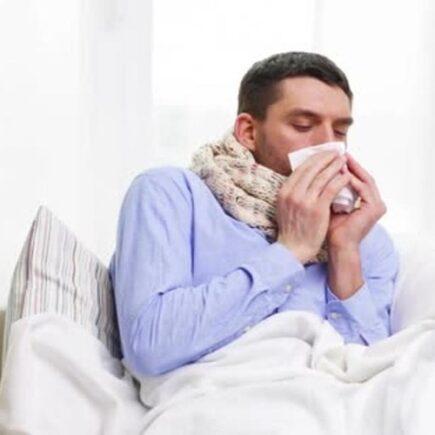 अगर काफी समय से जुकाम सर्दी नही सही हो रही है तो इसके लिए ये पांच वजह हो सकती हैं जिम्मेदार