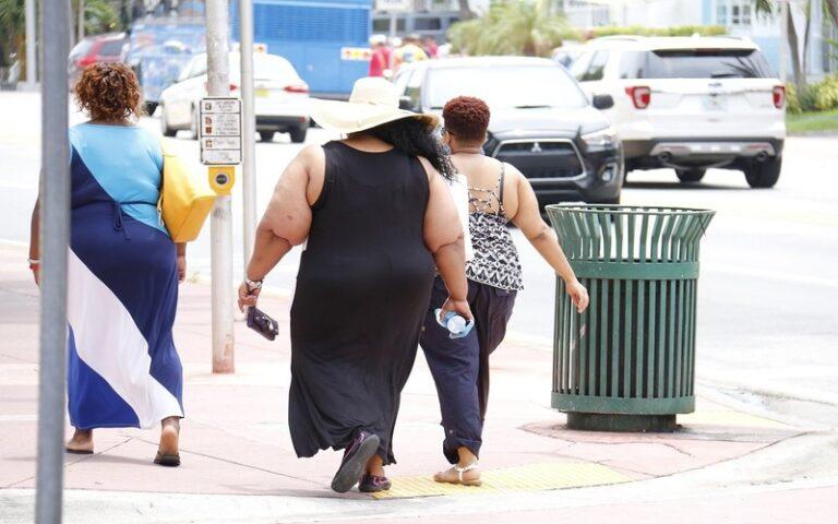 बिना जिम गए और बिना जेब ढीली किये इस तरह कम करें मोटापा
