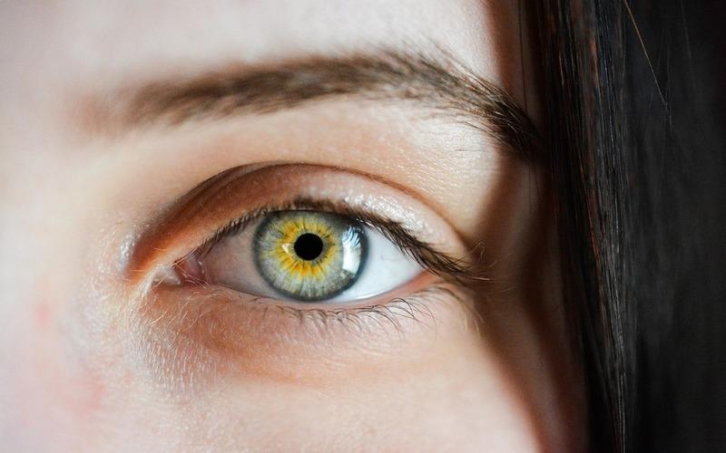 आंखों की थकावट और सूजन को दूर करने के लिए अपनाएं ये तरीके