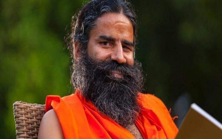 बाबा रामदेव कभी घर-घर स्कूटर पर बेचते थे दवाइयां, आज है करोड़ों की संपत्ति के मालिक
