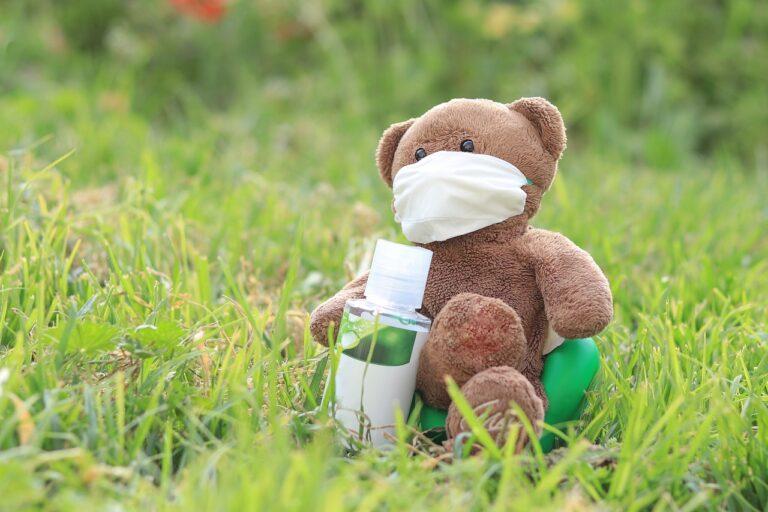 मास्क कोरोना के अलावा टीबी, अस्थमा और निमोनिया जैसी बीमारियों से भी बचाता है