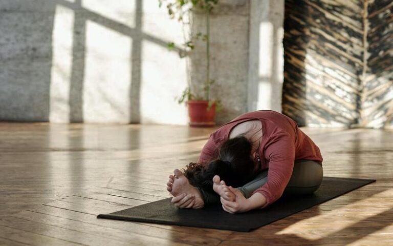 International Yoga Day 2021: जाने योग दिवस का इतिहास और इस साल के थीम के बारे में