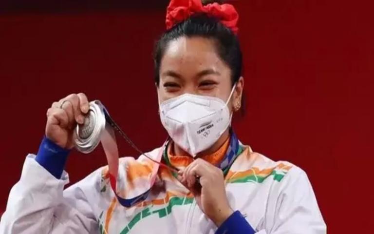टोक्यो ओलंपिक में भारत के लिए पहला रजत पदक जीतने वाली साइखोम मीराबाई चानू का परिचय