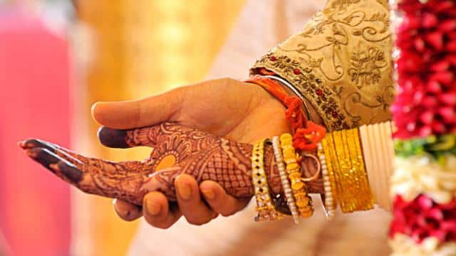 जीवनसाथी के साथ ईमानदारी आपकी सेहत के लिए अच्छी, जानिए विशेषज्ञ क्या कहते हैं