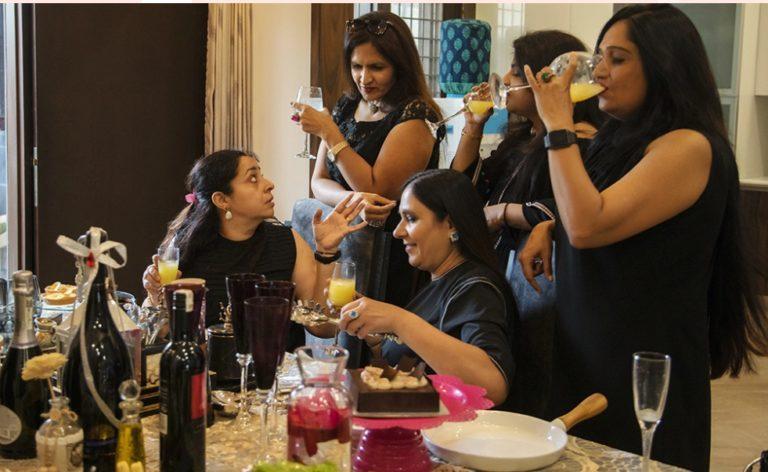 शराब कंपनियां कोरोना संकट में कारोबार को बढ़ावा देने के लिए क्या प्रयास कर रही हैं?