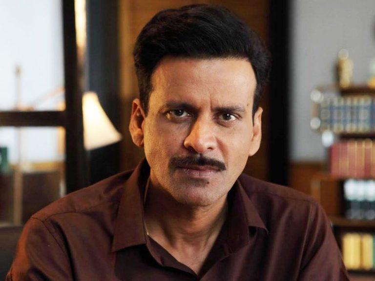 बॉलीवुड अभिनेता मनोज बाजपेयी ने इंदौर की अदालत में केआरके के खिलाफ मानहानि का मुकदमा दायर किया