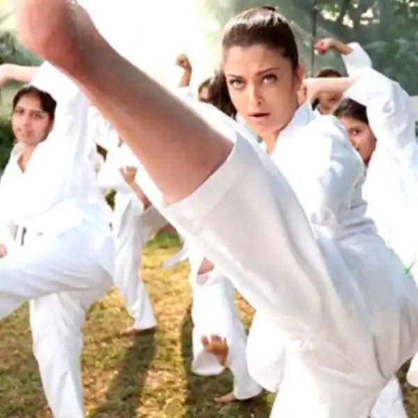 ऐश्वर्या राय, दीपिका पादुकोण से लेकर माधुरी दीक्षित तक, बॉलीवुड अभिनेत्रियाँ जो मार्शल आर्ट में माहिर हैं