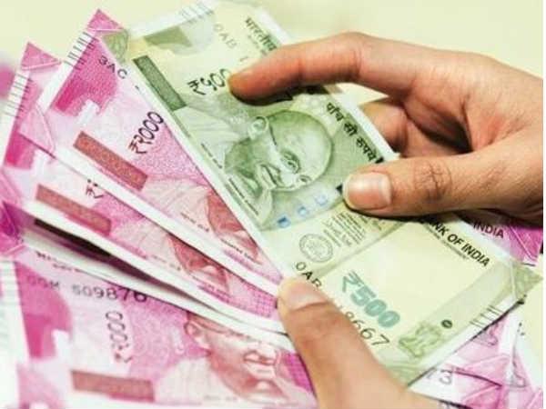 एक कार चालक रातों-रात करोड़पति बना, लॉटरी में जीते 12 करोड़ रुपये